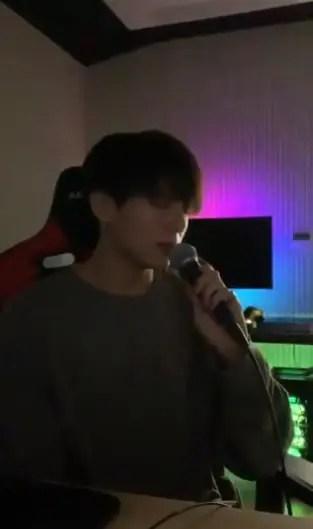 IUの「Ending Scene」を歌うジョングク