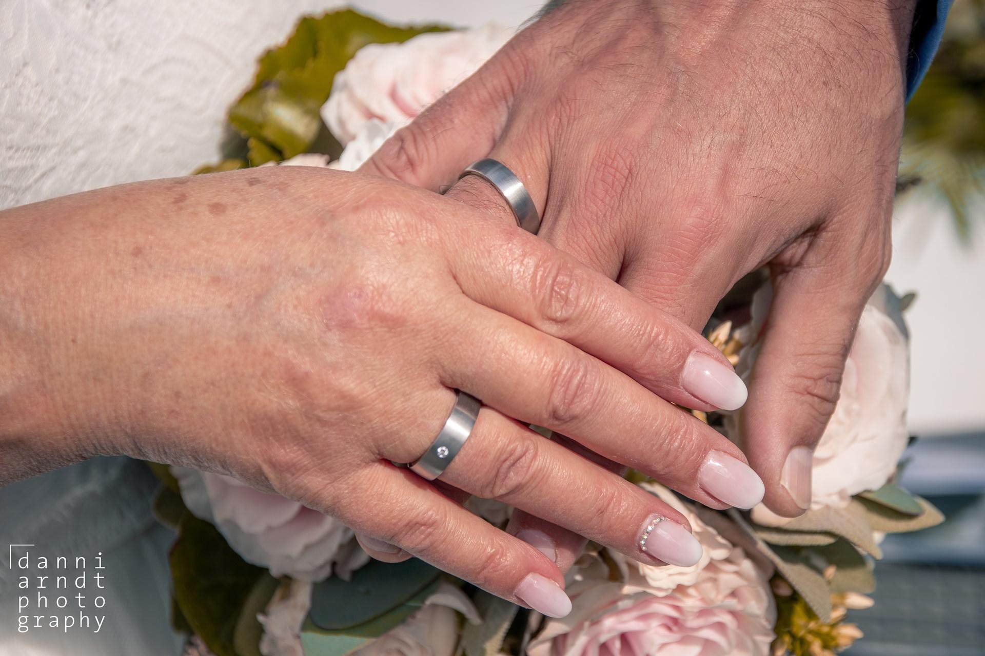 Hochzeitsfotos M&M Wedding Ringe