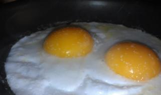 look at the color and height of those yolks!