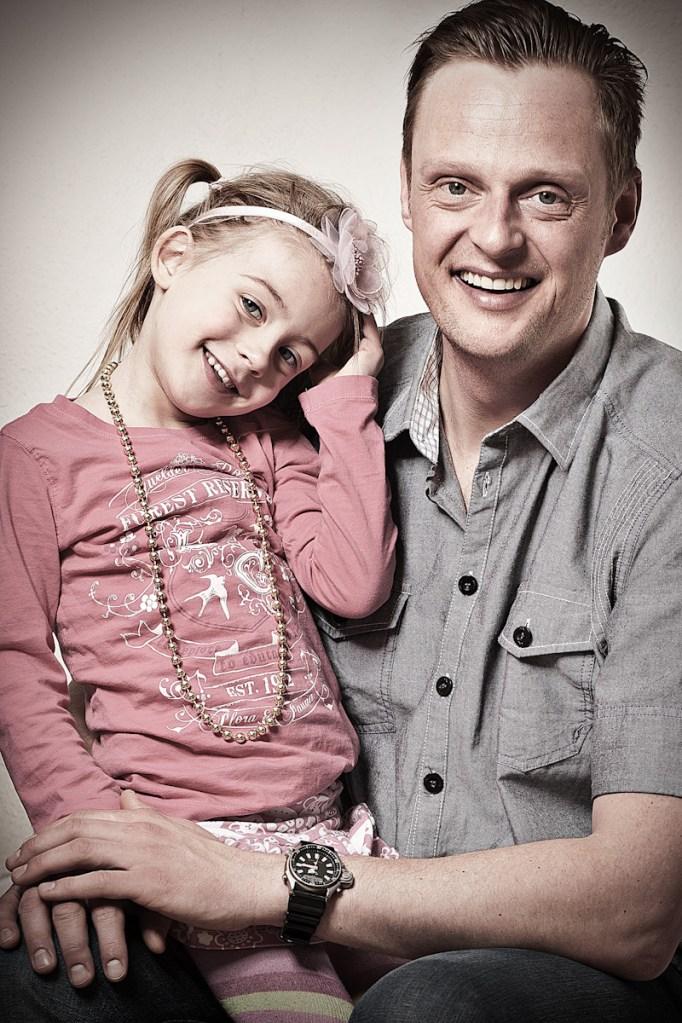 Familie portræt i hjemmet, Portræt taget i mobil studie