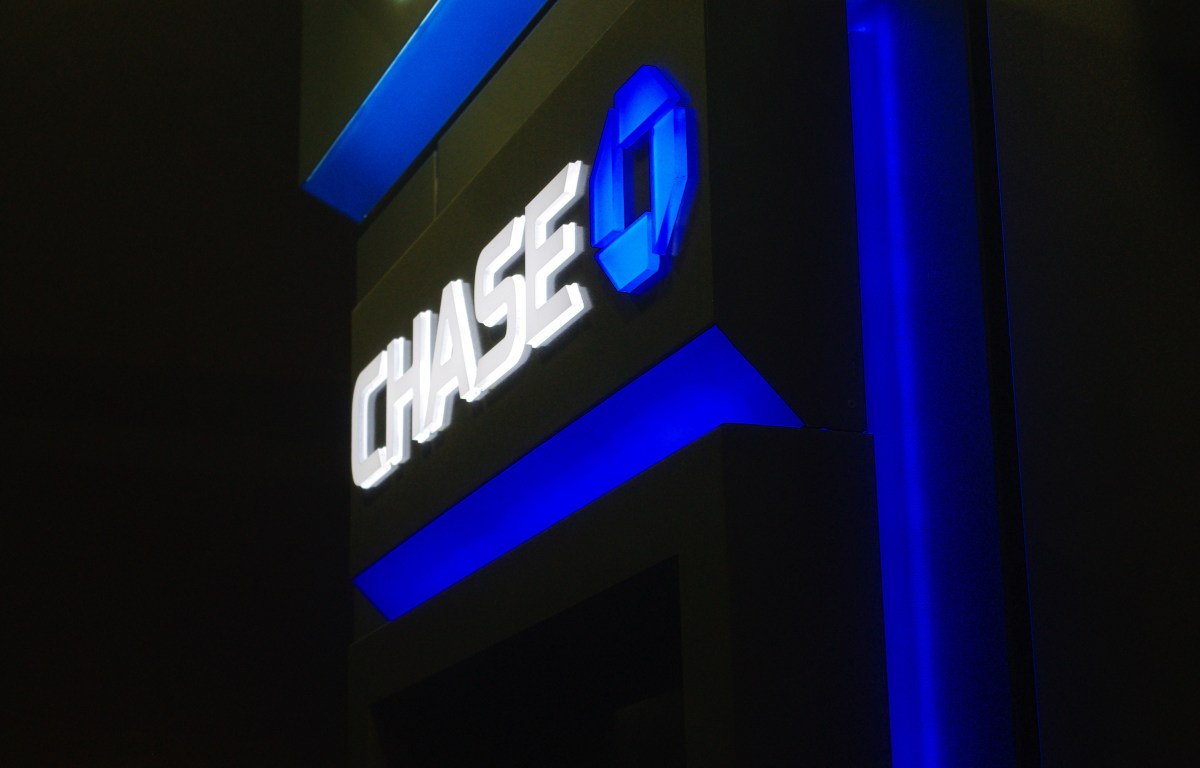 Chase Offering $10/$20 Bonus for Adding Authorized Users