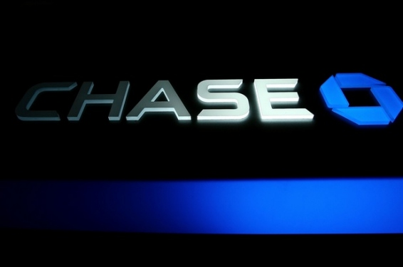 Chase Cuts Limits on Credit Cards