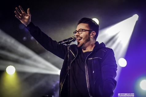 Danny Gokey performing on the 2016 Be One Tour