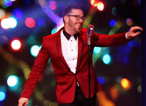 Danny Gokey performs Santa Claus is coming to Town for Bon-Ton