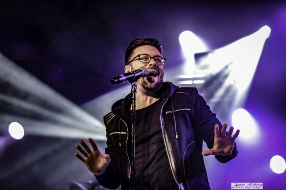Danny gokey in concert on the Be One Tour
