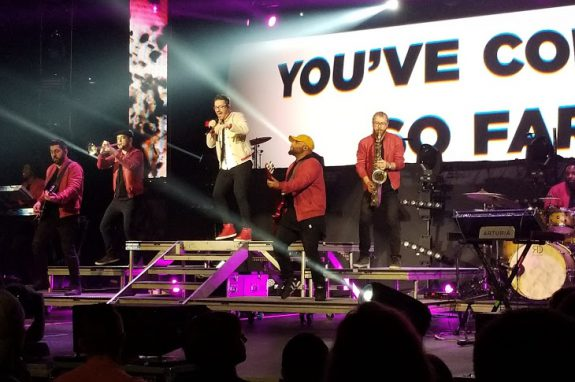 Danny Gokey performs the Comeback on the Hits Deep Tour