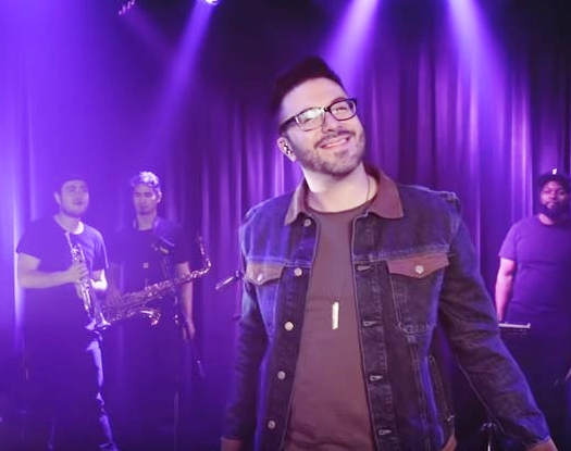 Danny Gokey Band performs the song If You Ain't In It for Air-1