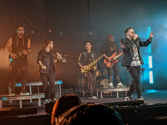 Danny Gokey Band in Chicago 11-19