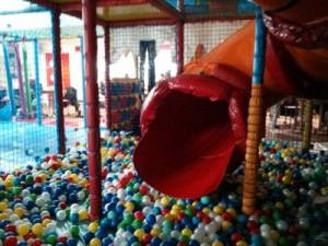 Kool Kids Chelmsford - The mouth of the slide in the big ball pool at Riverside Ice and Leisure. Taken from an article by DannyUK.com