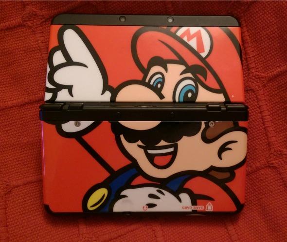 New Nintendo 3DS - Mario faceplate