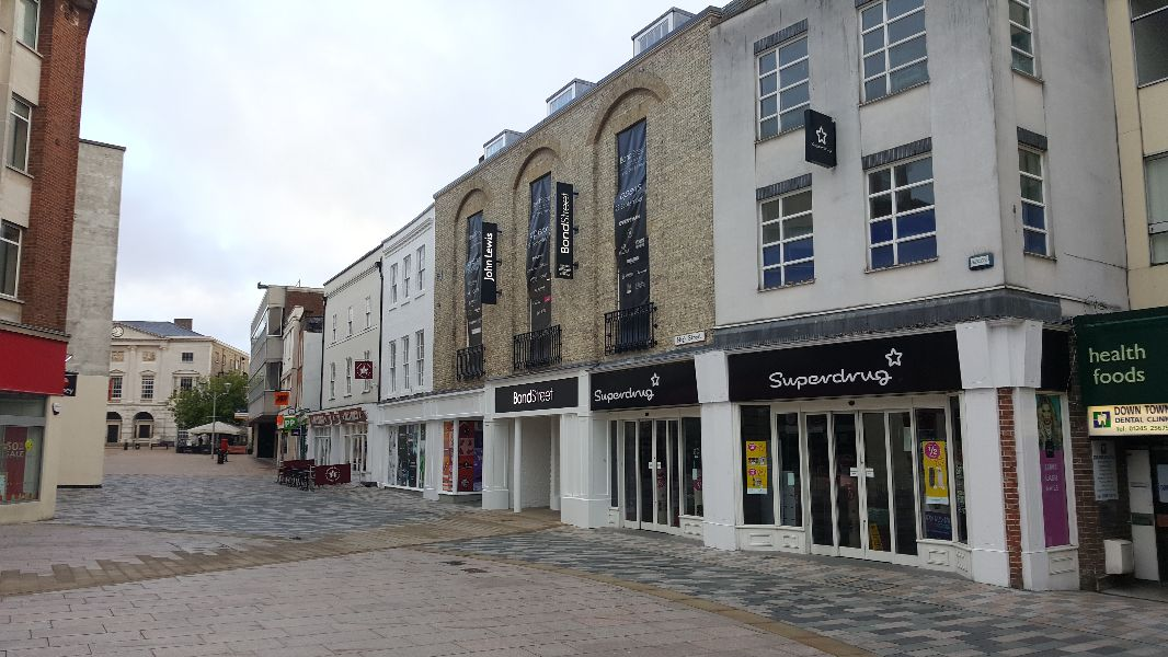 Bond Street, Chelmsford - High Street entrance by Half Moon Square