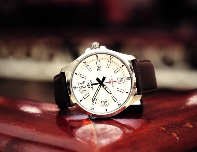 đồng hồ đeo tay nam giá dưới 2 triệu