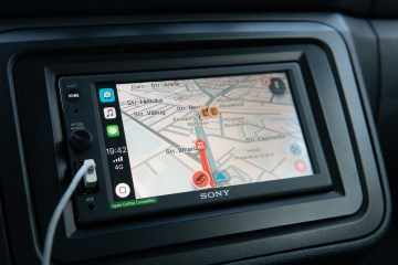 Waze on Apple CarPlay