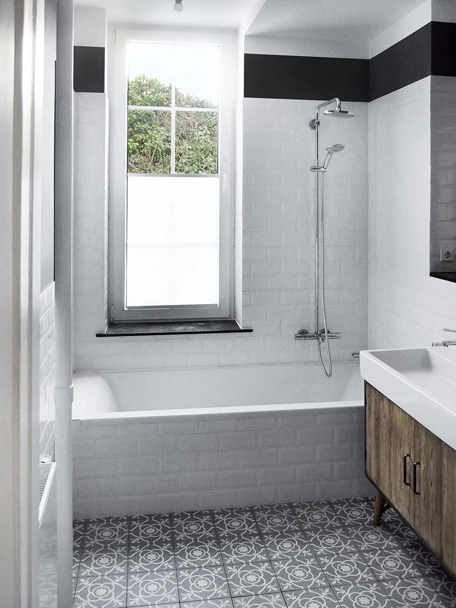 Haus J - Sanierung einer Altbauwohnung - Bad