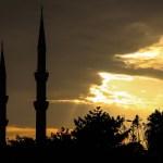 Lyden af moskeen