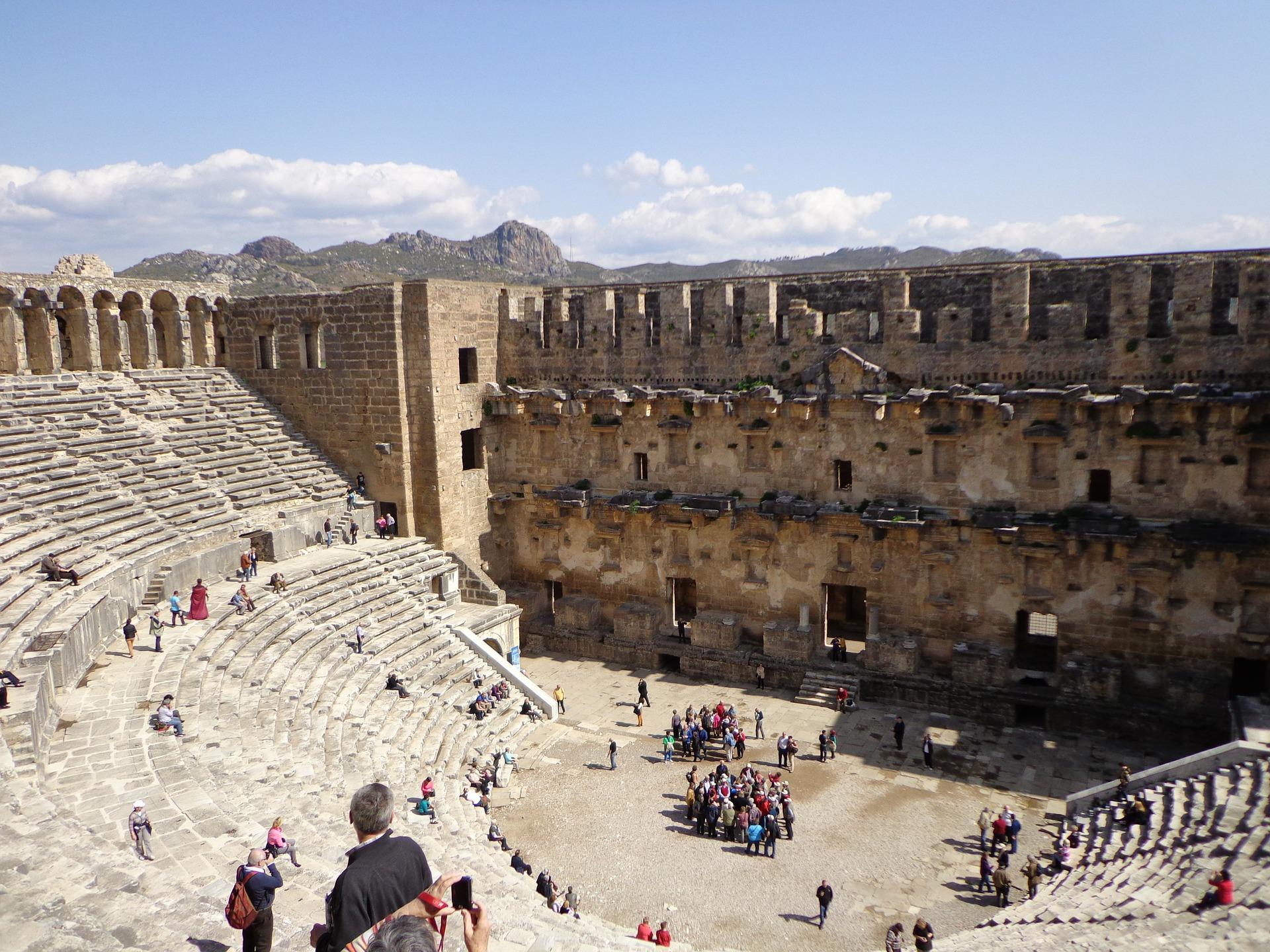 Aspendos teatret og myten om opførslen