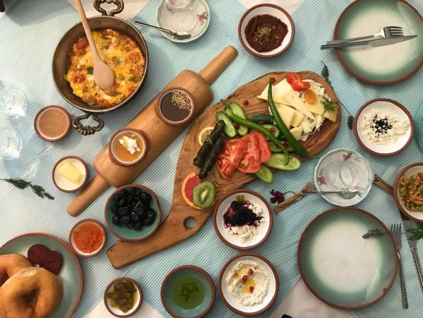 bazlama kavalti, tyrkisk morgenmad i istanbul, restauranter i istanbul, oplevelser i istanbul, serpme kahvalti i istanbul, alanya blog, alanya blogger, tyrkiet blog, tyrkiet blogger, dansk i tyrkiet