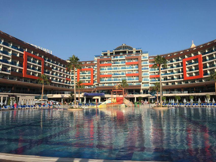 miniferie på lonicera world hotel, all inclusive hotel alanya, all inclusive hotel tyrkiet, all inclusive hotel avsaller, lonicera world aquapark, lonicera resort & spa, lonicera hotels, dansk i tyrkiet, hverdagen i tyrkiet, aquapark avsallar