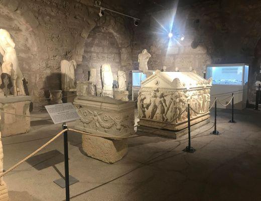 arkæologisk museum i side, museer i side, museums i side, historisk museum i side, oplevelser i side, seværdigheder i side, det skal du opleve i side tyrkiet, hamam i side, amfiteater i side, undervandsmuseum i side, undervandsmuseum i tyrkiet, jeepsafari i side, tyrkisk mad, tyrkisk morgenmad, side museum, dansk i tyrkiet, rejseguide til side, alanya blog, alanya blogger, rejseblog tyrkiet, rejseblog side,