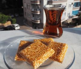 tyrkisk sesam snack, susam krokan, nemme tyrkiske opskrifter, det tyrkiske køkken, dansk i tyrkiet