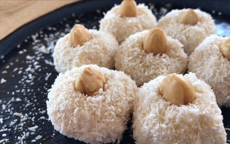 semuljekugler med kokos, tyrkiske semuljekugler, tyrkiske opskrifter med semulje, semulje opskrifter, havd er semulje, hvad er krem santi, irmik toplari opskrift, tyrkiske dessert, smag på tyrkiet,