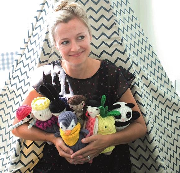 Petit bonheur de la rentrée : Caro Tricote signe le catalogue de doudous au crochet pour Pingouin