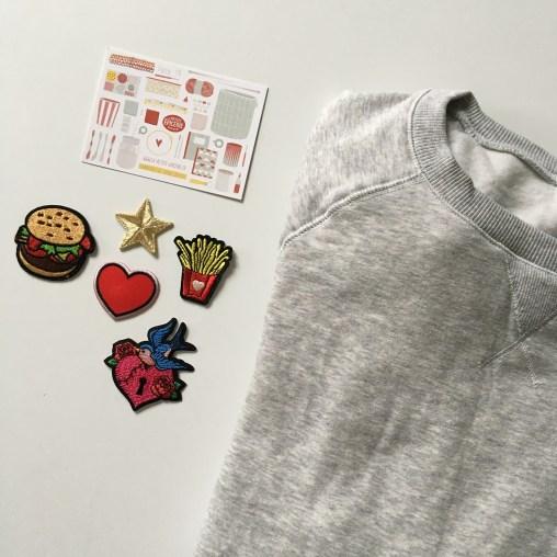 Customiser un sweat avec des patchs thermocollants