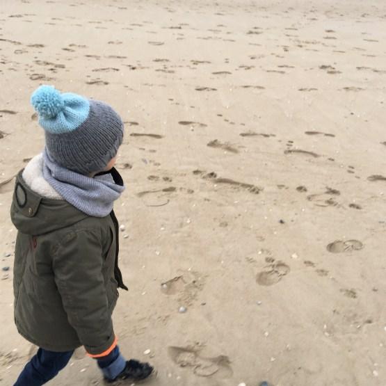 Tuto   Le bonnet « Lucien » au tricot (enfant) – Idéal débutants en ... 387551ee1b0
