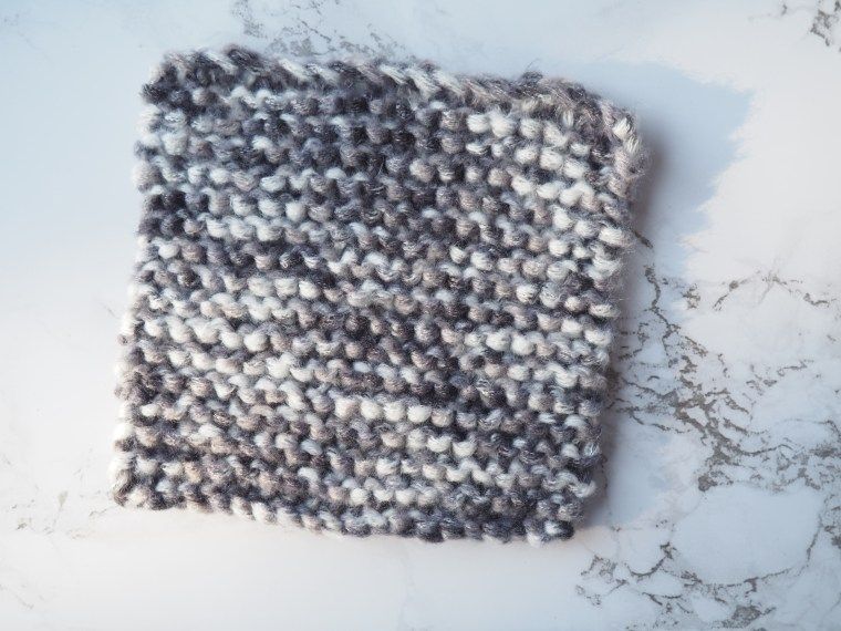 Ma premi re le on de tricot je vous apprends le tricot pas pas en photos avec style studio - Monter les mailles tricot ...