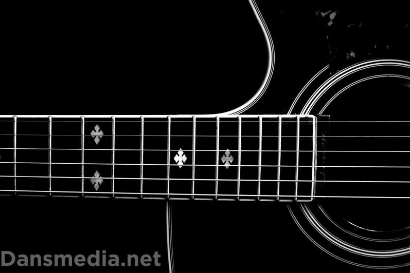 ilustrasi cara merawat gitar