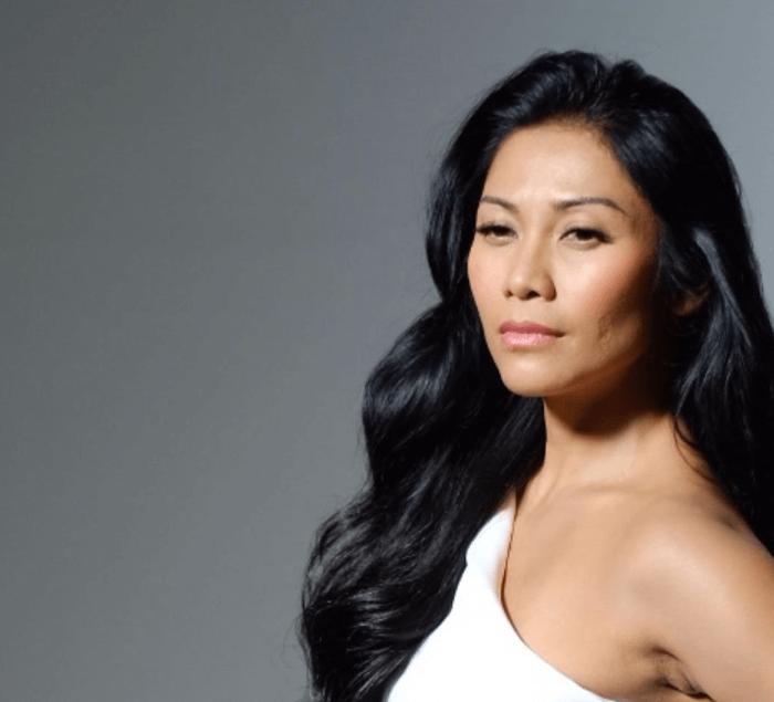Warna Rambut untuk Kulit Sawo Matang Wanita - Hitam Pekat