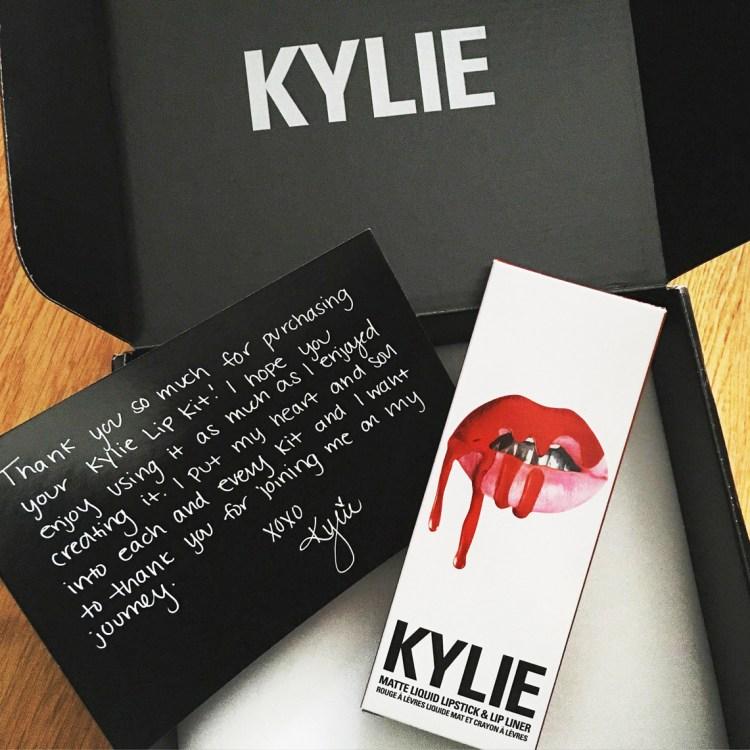 Mon avis sur le rouge à lèvres Lip Kit 22 de Kylie Cosmetics