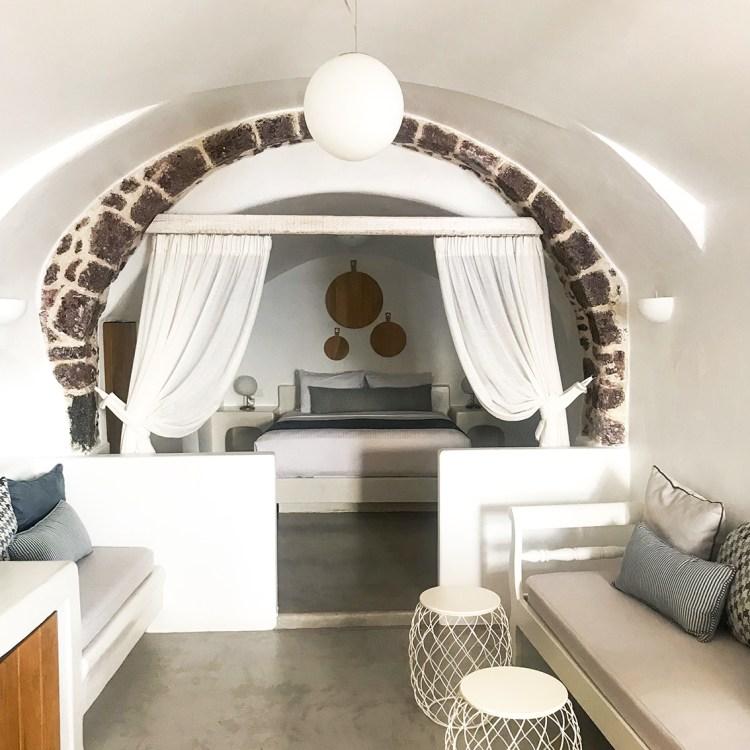 Vacances à Santorin mon séjour à l'hôtel Filotera Suites avis blog photos chambre