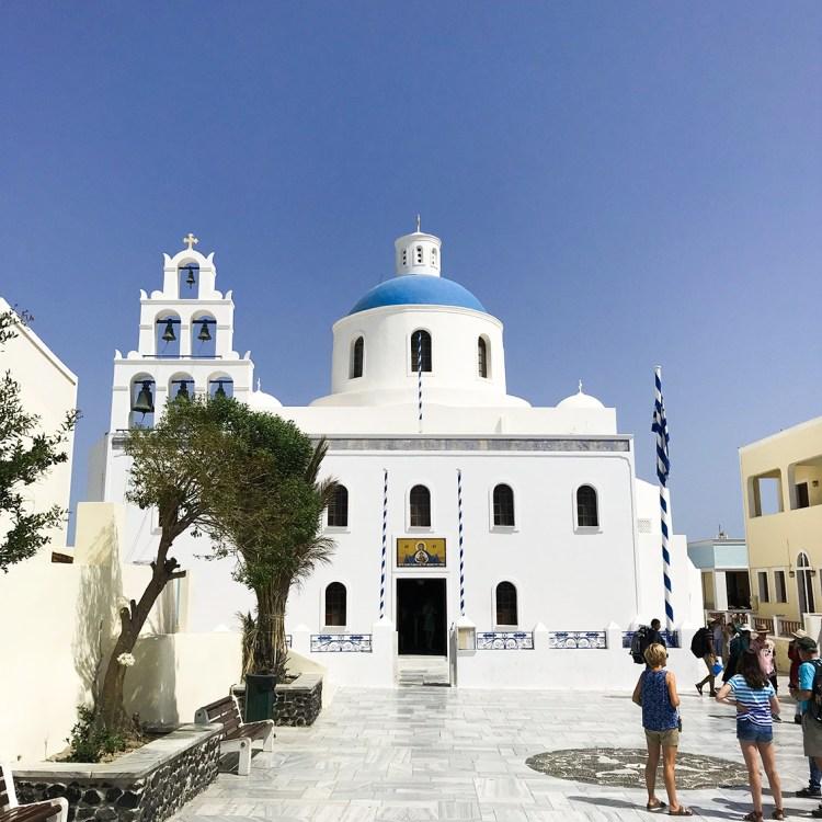 Vacances à Santorin mon séjour à l'hôtel Filotera Suites avis blog photos oia église