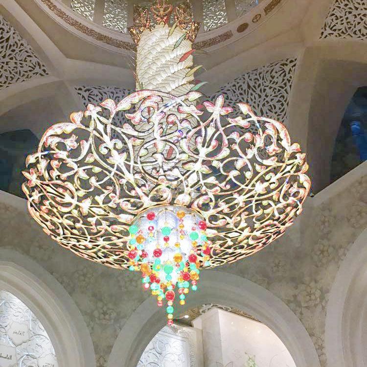 A faire absolument à Dubaï et à Abu Dhabi visiter la grande mosquée Sheikh Zayed blog lustre avis blog france