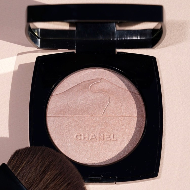 Wishlist annniversaire pour mes 35 ans cadeaux blog Palette Illuminatrice Eclat du Désert Chanel