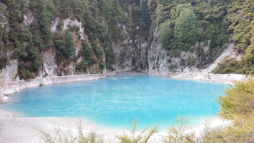 Waimangu Volcanic Valley lac du Cratère de l'enfer