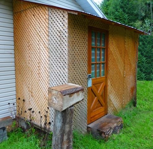 construire un abri pour votre bois de chauffage dans notre maison. Black Bedroom Furniture Sets. Home Design Ideas