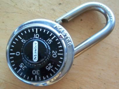 Moderne Récupérer le code perdu de cadenas MasterLock Dudley à combinaison JB-47