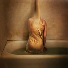 """""""J'ai une peur stupide des baignoires. """"(Crédits : avec l'aimable autorisation de Brooke Shaden)"""