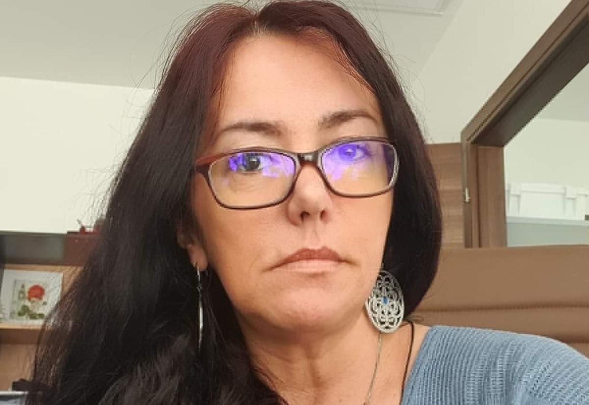 https://i1.wp.com/dantomozei.ro/wp-content/uploads/2021/07/Judecator-Madalina-Afrasinie-A.jpg