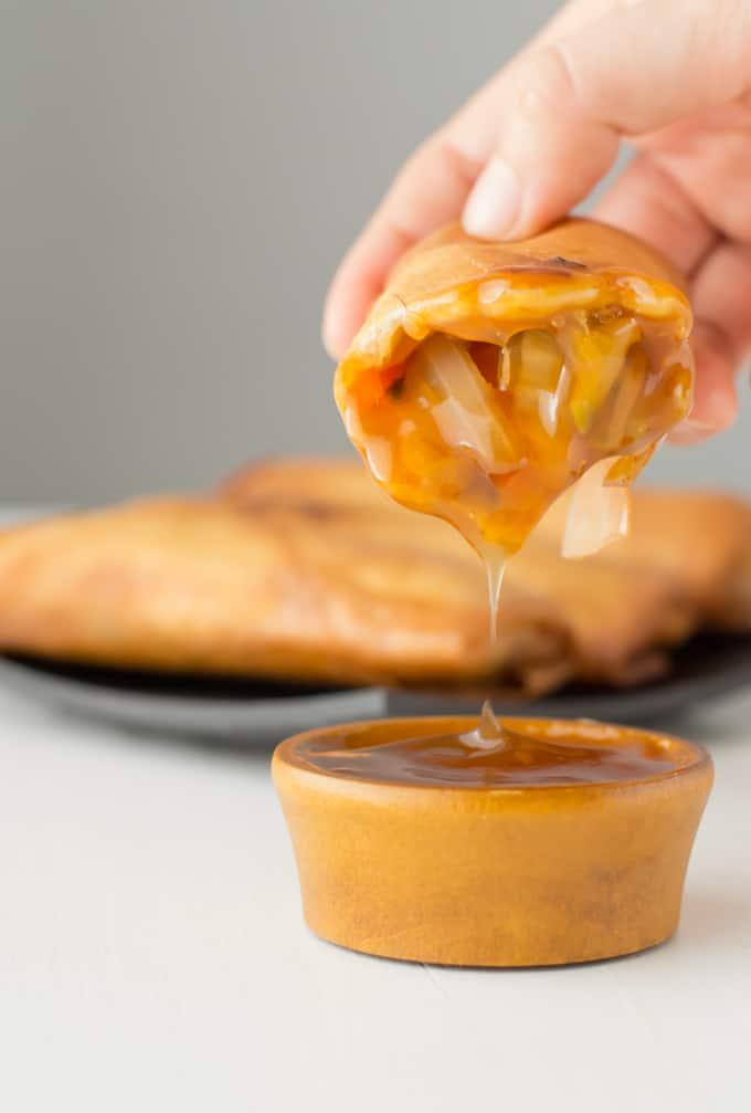 Rollitos de primavera con salsa agridulce via danzadefogones.com