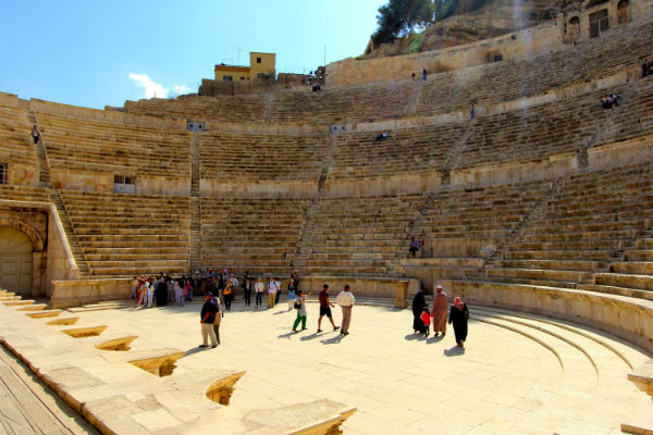 Het Romeinse Theater in Amman ligt er nog prachtig bij