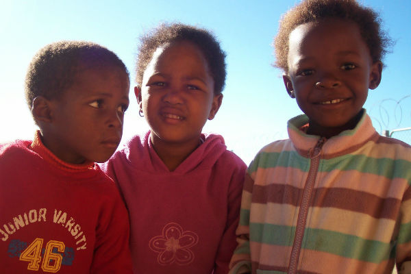 kinderen-zuid-afrika-kenton-on-sea-masibulele-creche