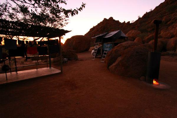 mowani-mountain-camp-namibie-selfdrive-daktent