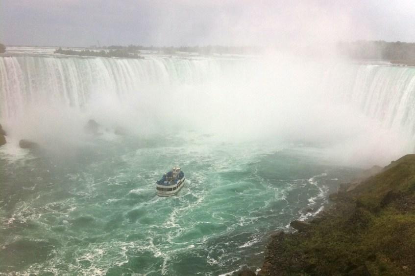 Het stadje Niagara Falls is een van de meest teleurstellende toeristische vakantiebestemmingen ooit!