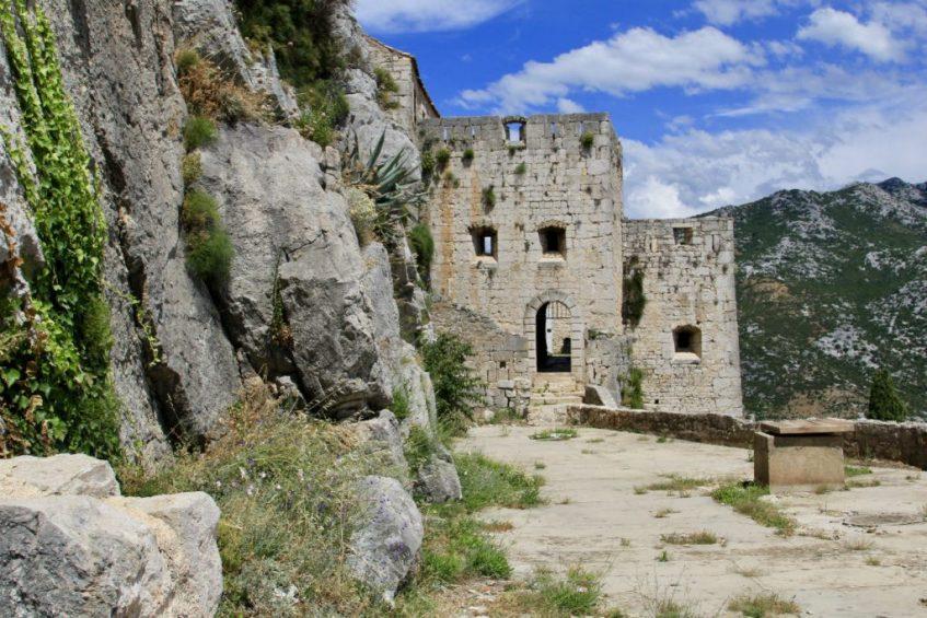 Het fort Klis in prachtig bewaard gebleven in Dalmatie