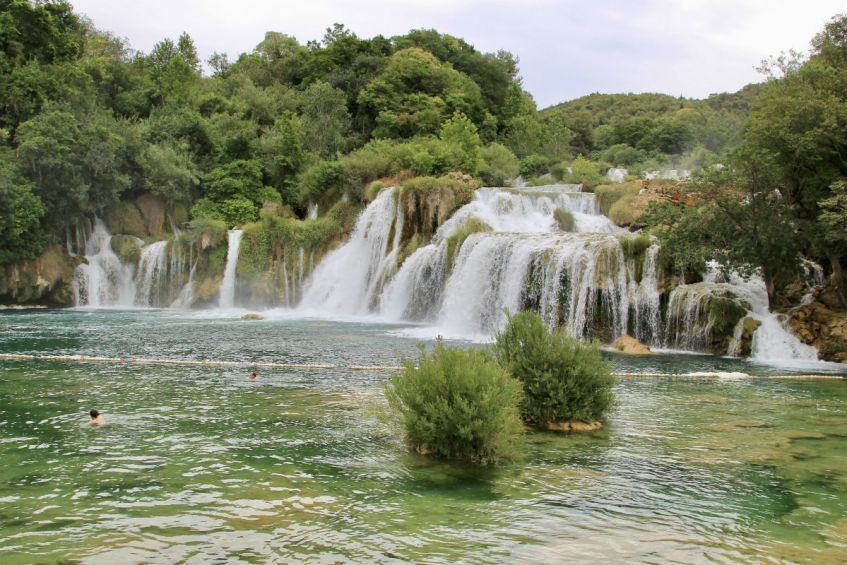 Het groen van Krka National Park tijdens mijn roadtrip Dalmatie Kroatie