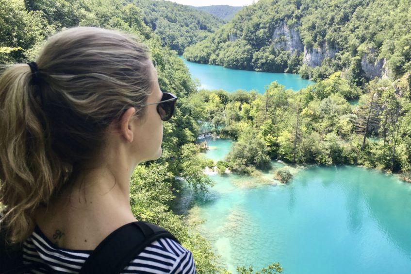 De kleuren van de Plitvice meren spatten van de foto af