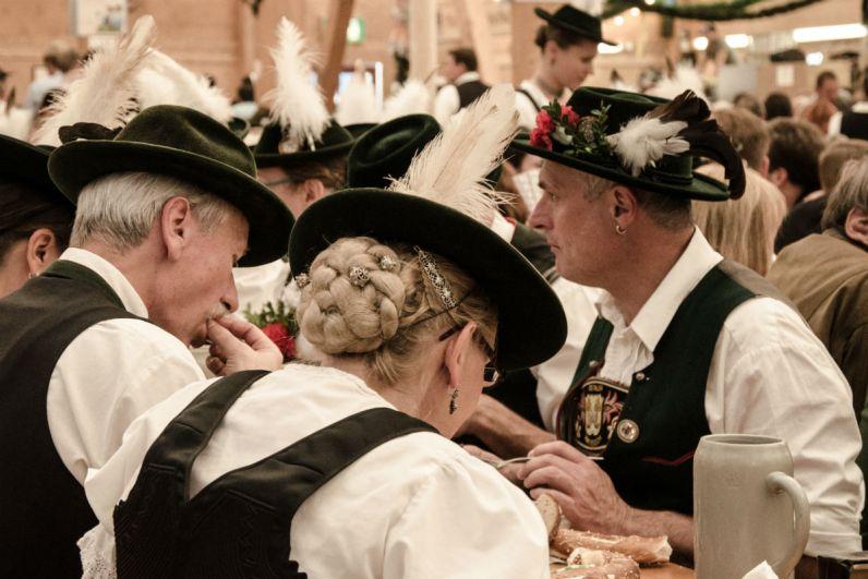 Feest tijdens het Oktoberfest in Munchen
